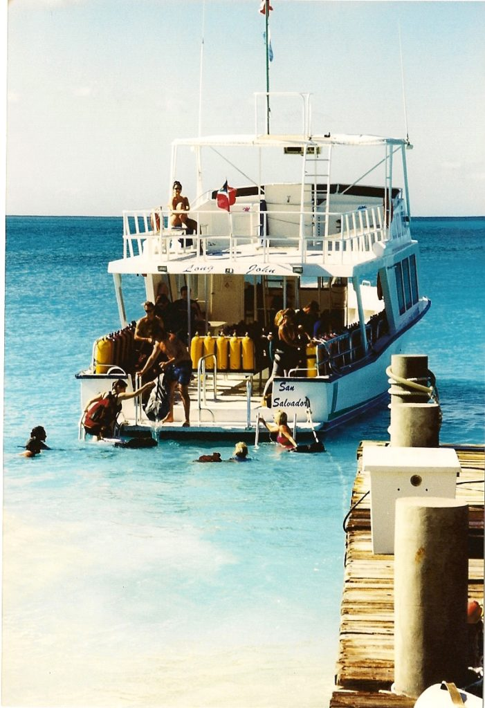 A swim to the dive boat in beautiful clear & turquoise water.