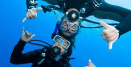 teen scuba divers